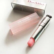 So sánh son dưỡng môi Dior Addict Lip Glow Color Reviver Balm và Philosophy Kiss me tonight