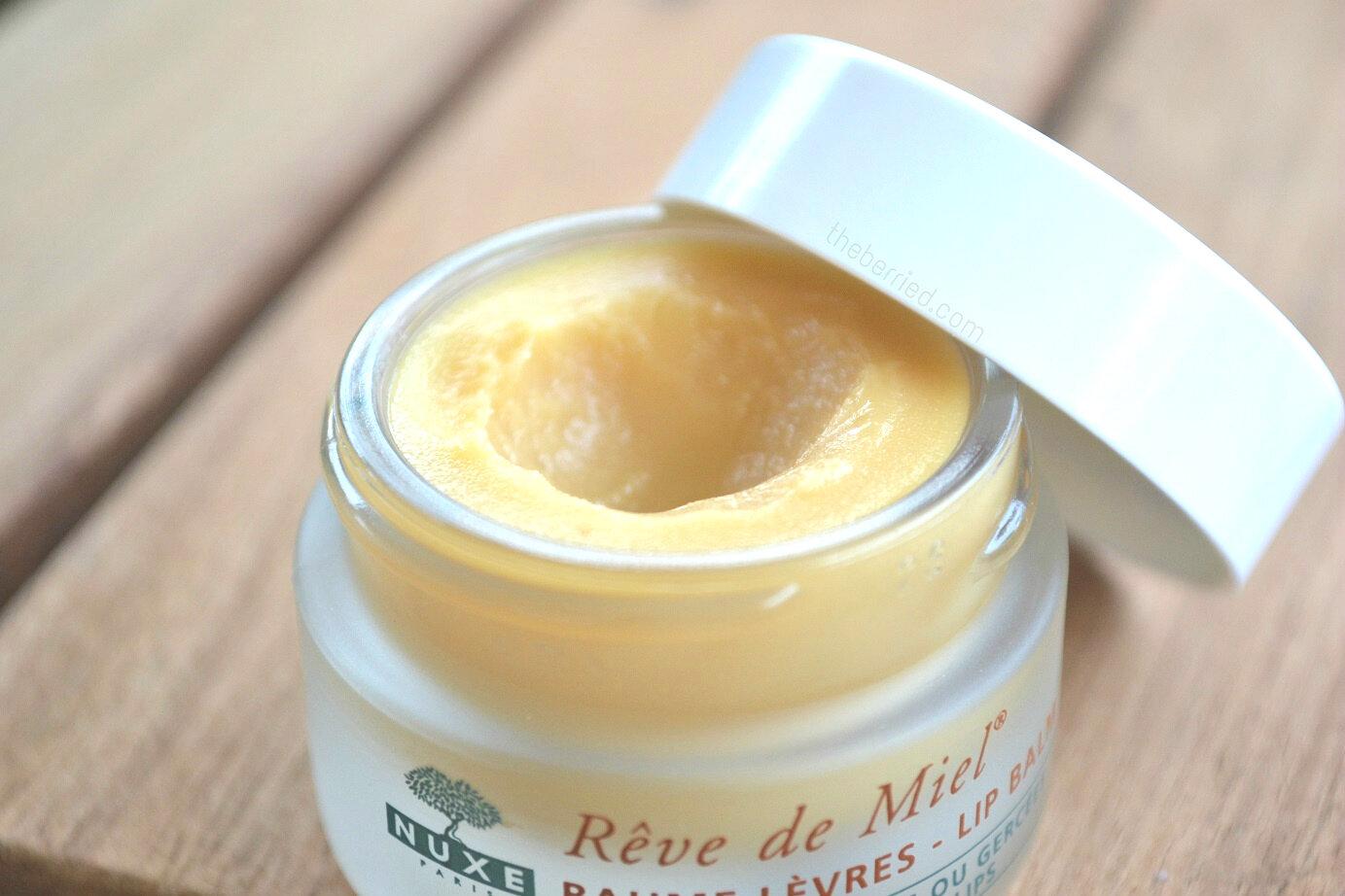 So sánh son dưỡng môi MAC Lip Conditioner và Nuxe Reve de Miel Ultra-Nourishing Lip Balm