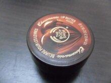 So sánh son dưỡng môi MAC Lip Conditioner và The Body Shop Chocomania Lip Butter