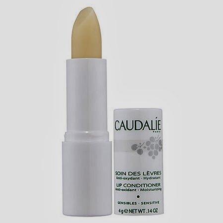 So sánh son dưỡng môi Secret Kiss Sweet Glam Tint Glow và Caudalie Lip Conditioner