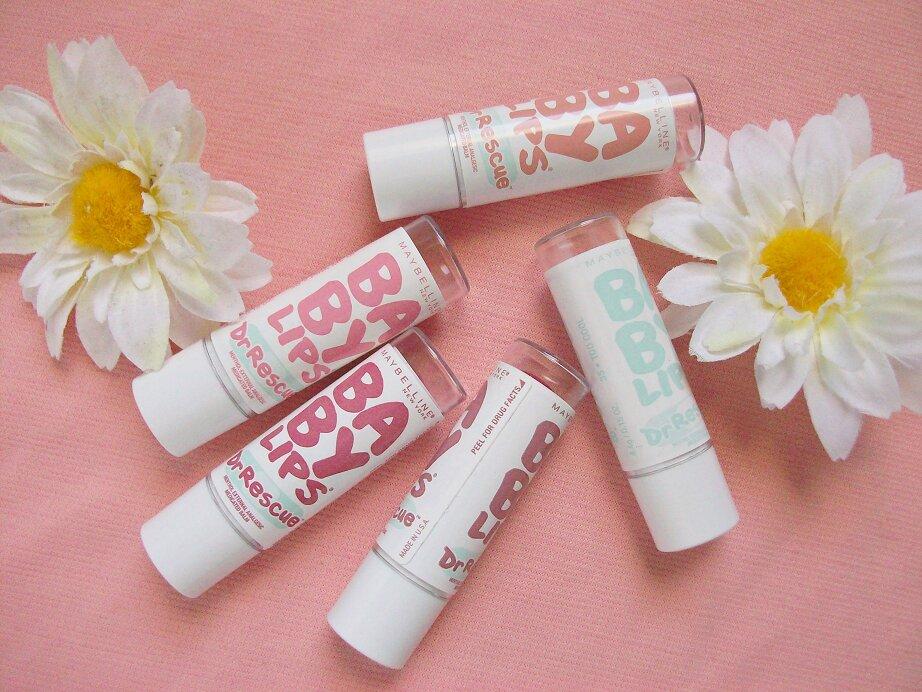 So sánh son dưỡng môi Maybelline Baby Lips Dr Rescue và Chapstick Moisturizer Originals
