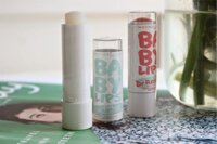 So sánh son dưỡng môi Maybelline Baby Lips Dr Rescue và The Body Shop Hemp Lip Conditioner