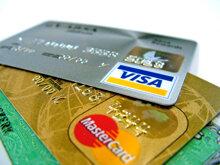 So sánh sự khác biệt giữa thẻ tín dụng và thẻ ATM