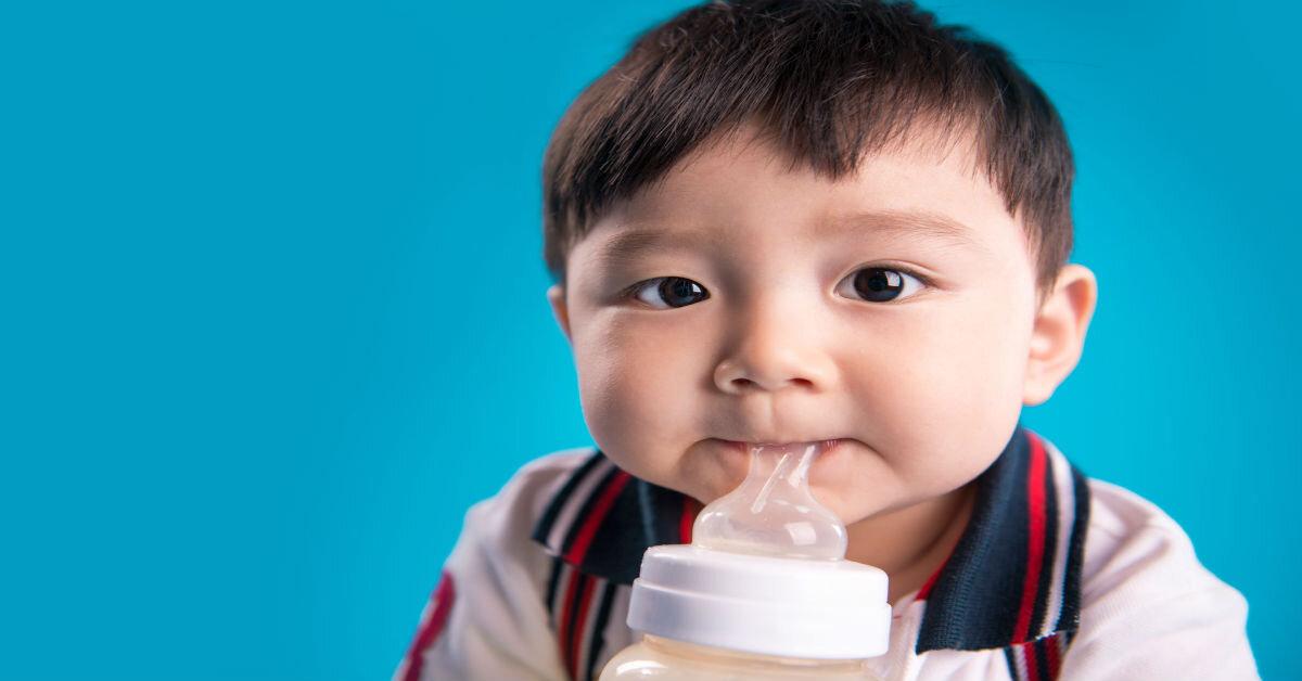 So sánh sữa bột Aptamil và sữa Morinaga