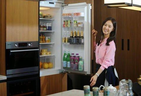 So sánh tủ lạnh Hitachi R-T350EG1 và Toshiba GR-R32FVUD