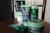 So sánh White Tree Snow Clarifying Booster Toner và The Body Shop Tea Tree Skin Clearing Toner