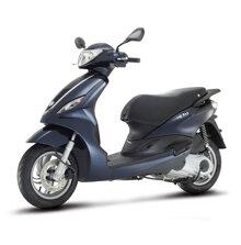 So sánh xe máy Honda Air Blade và Piaggio Fly