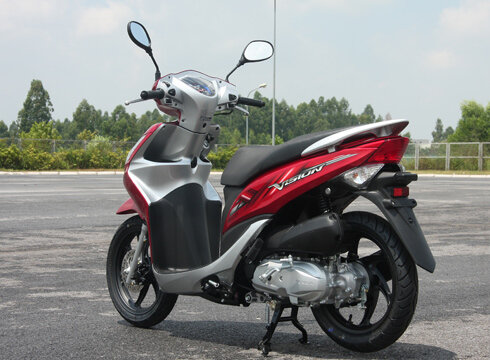 So sánh xe máy Honda Air Blade và Honda Vision