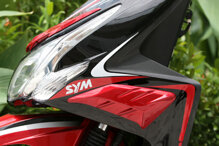 So sánh xe máy Honda Air Blade và SYM Attila Passing