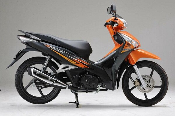 So sánh xe máy  Honda Future và Honda Wave S