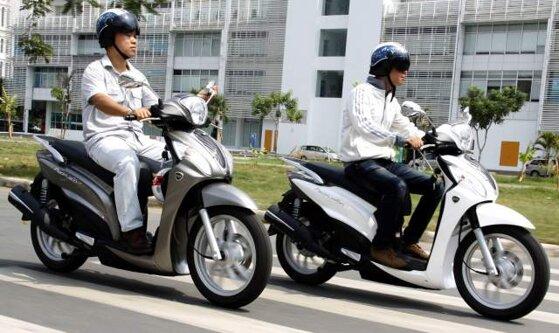 So sánh xe máy Honda Lead và Kymco People