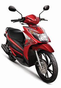 So sánh xe máy Suzuki Hayate và Piaggio Liberty