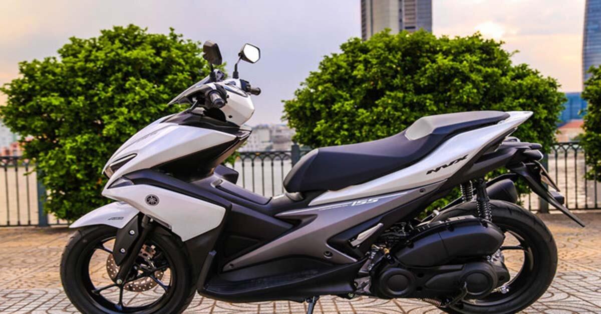 So sánh xe máy Yamaha NVX và Yamaha Grande