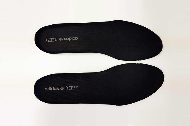 Soi từng chi tiết trên giày Yeezy Boost 350 và cách phân biệt hàng giả
