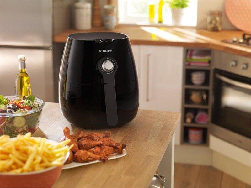 Philips HD9654 nhỏ gọn trên bàn bếp gia đình