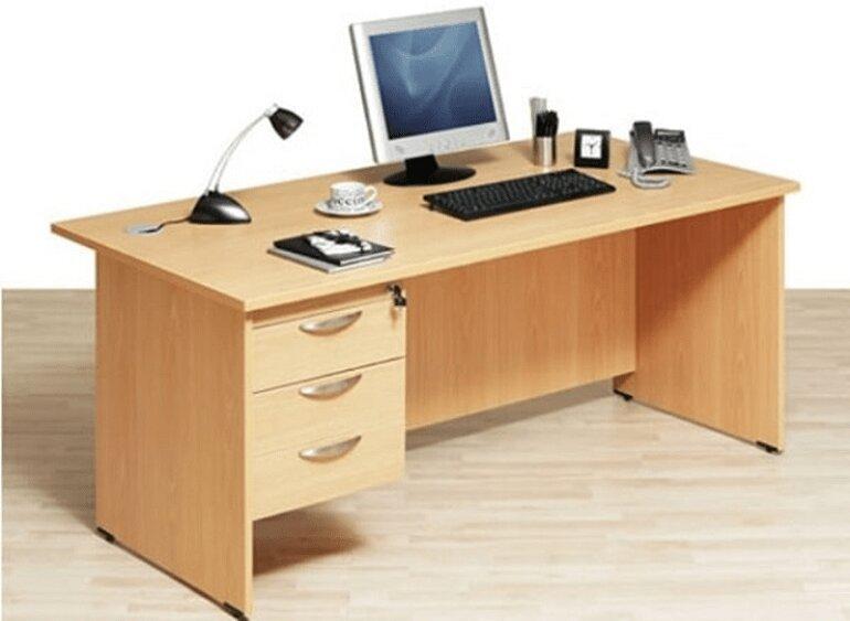 Bàn nhân viên bằng gỗ công nghiệp MFC phủ Melamine là dòng sản phẩm phổ biến nhất