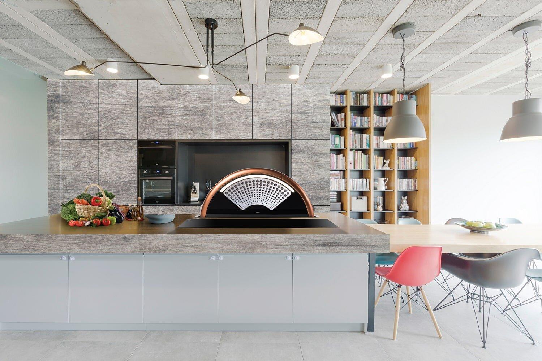 Máy hút mùi đảo thiết kế tinh xảo, sang trọng phù hợp gian bếp hiện đại