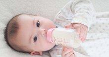 Sữa Aptamil có bị táo bón không? Hướng dẫn cách pha đúng tỷ lệ
