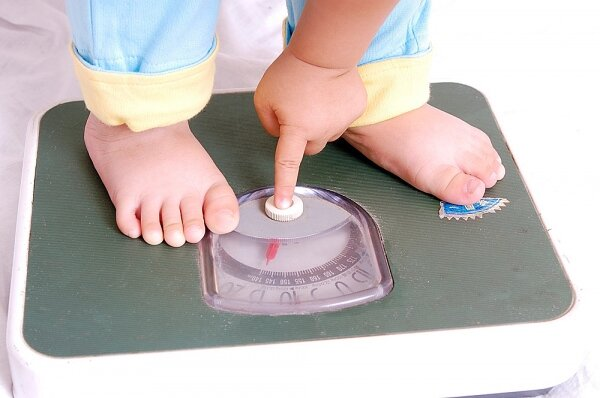 Sữa bột nào giúp bé tăng cân tốt?