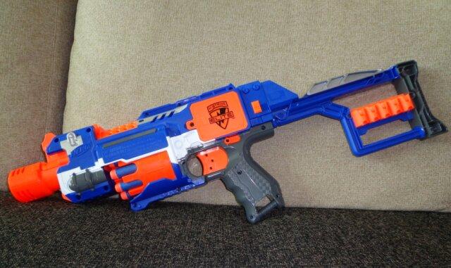 Súng nerf là gì? Có nên cho bé chơi súng nerf?