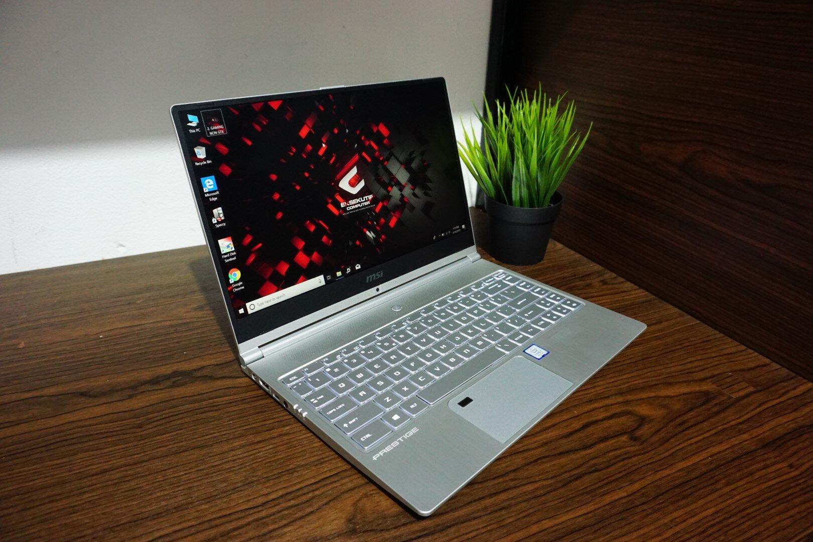 Laptop MSI Prestige PS42 có kích thước nhỏ gọn thuận tiện cho người dùng mang máy di chuyển