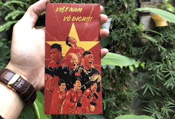 Phong bao lì xì in hình đội tuyển bóng đá Việt Nam