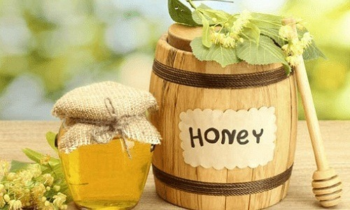 cách trị thâm mụn bằng mật ong