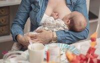 Tắc tia sữa sau sinh mổ: nguyên nhân và cách chữa trị