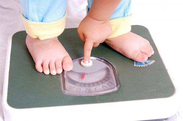 Tại sao bé ăn nhiều mà vẫn chậm tăng cân?