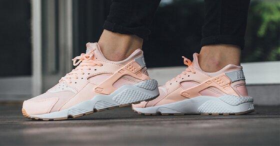 Tại sao nên chọn mua giày thể thao nữ Nike?