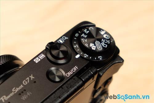 Các kết nối cao cấp như NFC và Wifi được tích hợp giúp người dùng dễ dàng chia sẻ hình ảnh trực tiếp từ máy ảnh