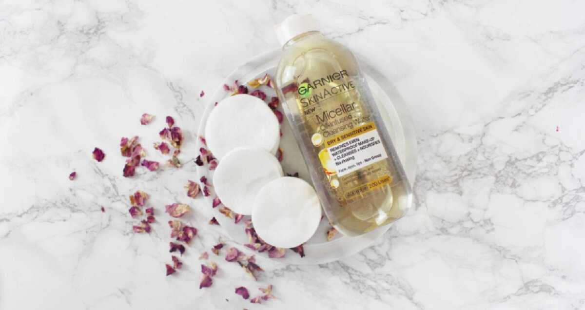 Tẩy trang Garnier Skin Active Oil Infused Micellar Cleansing Water – sản phẩm tẩy trang độc đáo chứa cả dầu lẫn nước
