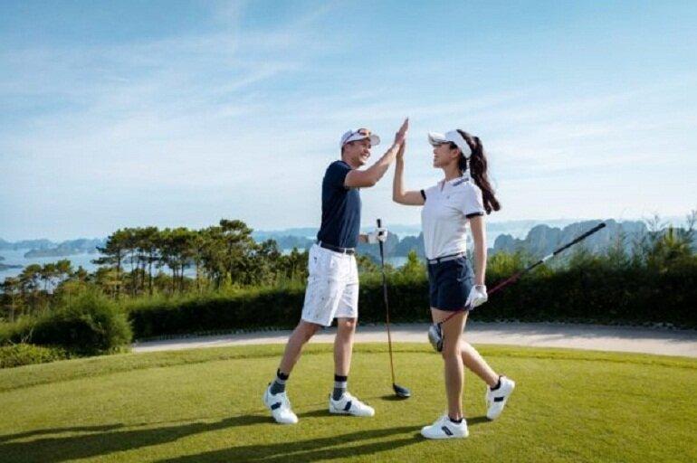 Giày chơi golf vừa thời trang vừa thoải mái là lựa chọn của nhiều golfer