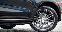 Thay lốp xe ô tô Ford giá bao nhiêu tiền năm 2019?