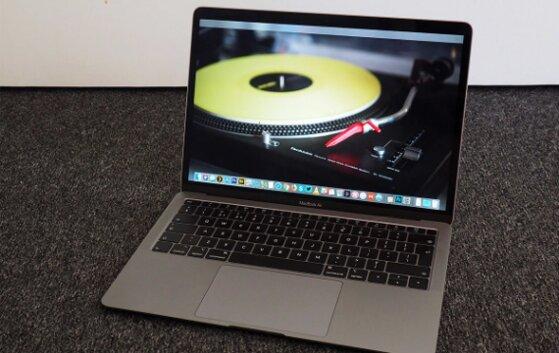 Thay pin Macbook có được không, khi nào cần làm, giá bao nhiêu