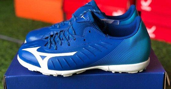 Thế nào là một đôi giày bóng đá tốt?