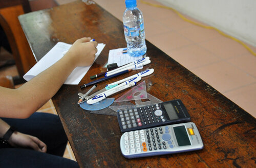 Thí sinh được mang những gì vào phòng thi kỳ thi THPT Quốc gia 2016?