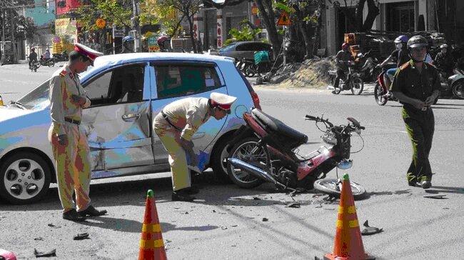 Thủ tục hưởng bồi thường từ bảo hiểm xe máy bắt buộc