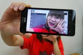 Tìm điểm khác giữa Asus Zenfone Selfie và Xiaomi Mi 4i