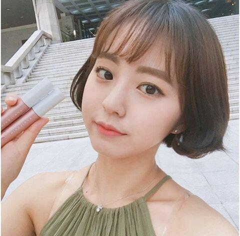 """Top 5 cây son kem lì giá rẻ Hàn Quốc """"vô địch"""" về độ bám"""