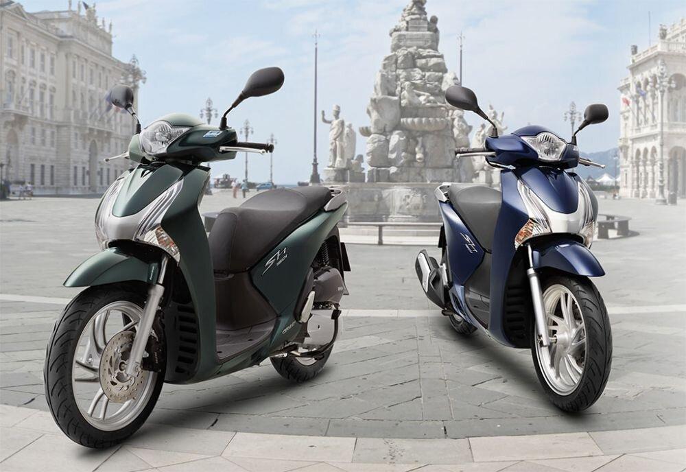 Top 5 chiếc xe máy gây tranh cãi nhiều nhất 2015