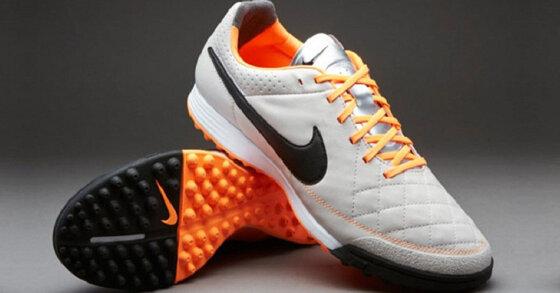 TOP 5 đôi giày bóng đá tốt bạn không nên bỏ qua