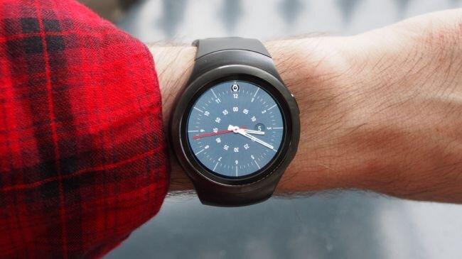 Top 5 đồng hồ thông minh chống nước tốt nhất hiện nay năm 2016