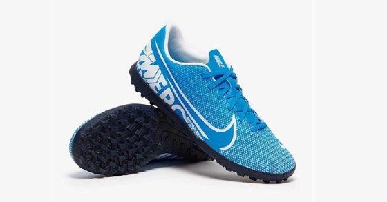 Top 5 giầy bóng đá cỏ nhân tạo đáng mua nhất 2020