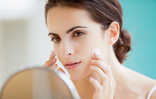 Top 5 kem dưỡng ẩm cho da dầu trong mùa hè nóng bức