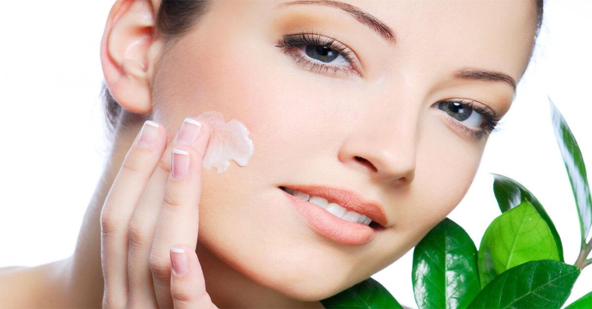 Top 5 loại kem dưỡng ẩm tốt nhất cho da mặt khô