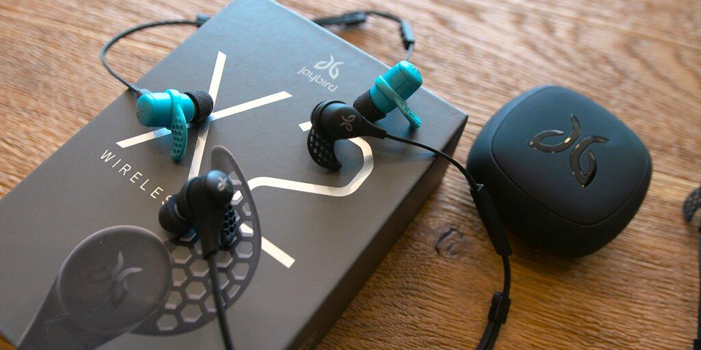 Top 5 tai nghe Bluetooth in ear tốt nhất năm 2016