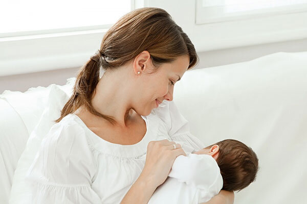 Trẻ sơ sinh bú bao nhiêu sữa là đủ?
