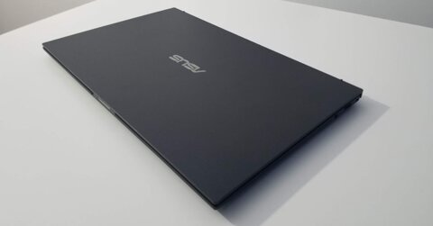 tren-tay-asus-expertbook-b9450-laptop-sieu-nhe-danh-cho-doanh-nhan