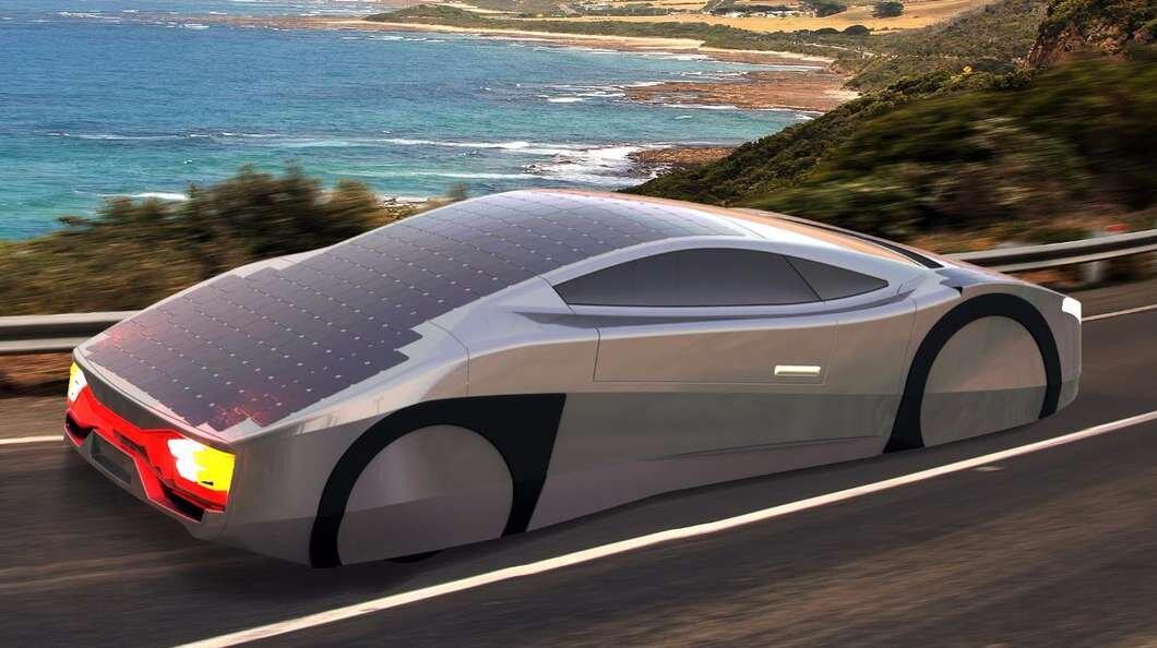 Trình làng xe hơi chạy bằng năng lượng mặt trời không giới hạn quãng đường đi